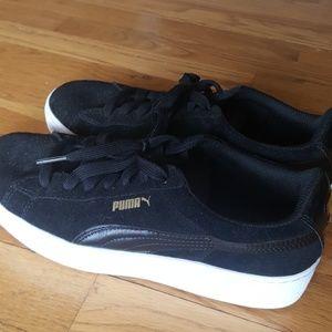 Women's Black Puma Sneakers